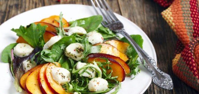 Готуй як шеф: секрети приготування крутих салатів без рецепта