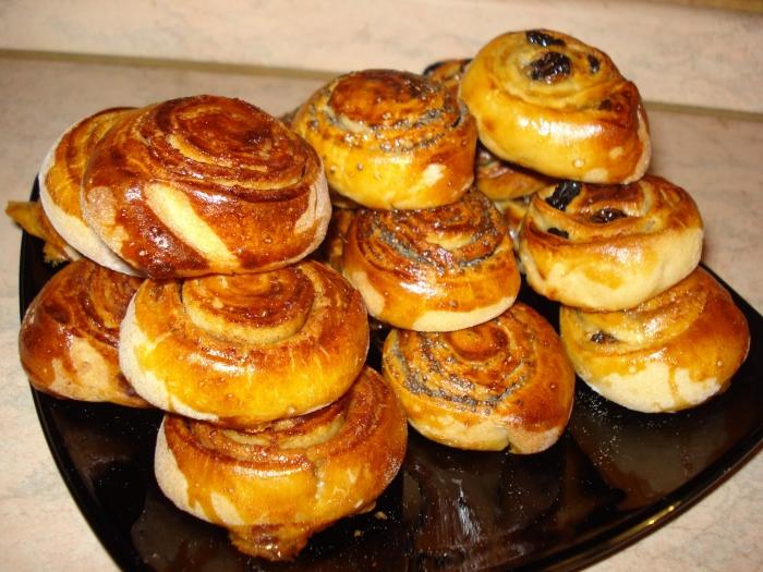 Апетитні пиріжечки і булочки