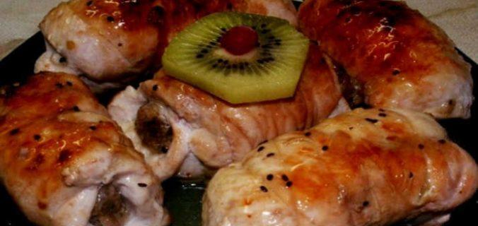 Швидкі і соковиті рулетики з курки з грибами