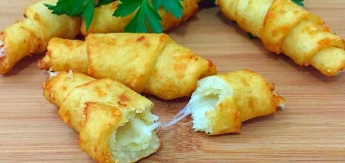 Картопляні рогалики з сиром