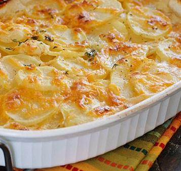 Картофельная запеканка со сметаной и сыром