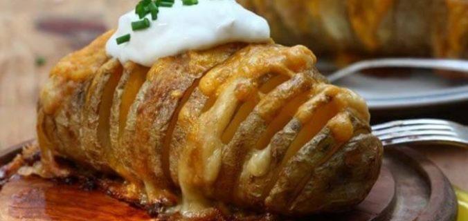 Картопля у фользі з сиром і шинкою – запечене блюдо