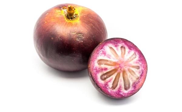 Зоряне яблуко: склад, калорійність, користь, рецепти