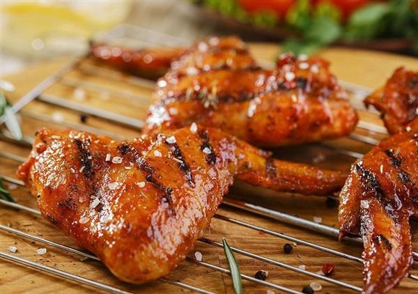 Курячі крильця на мангалі: рецепти, маринади, поради