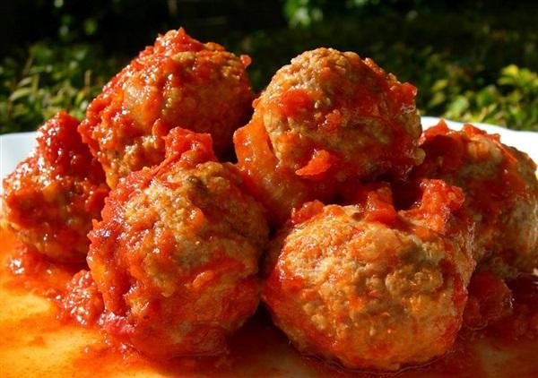 Тефтелі з гречки в томатному соусі: секрети приготування