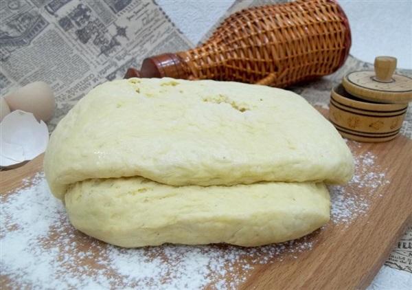 Листково-дріжджове тісто: рецепт швидкого приготування