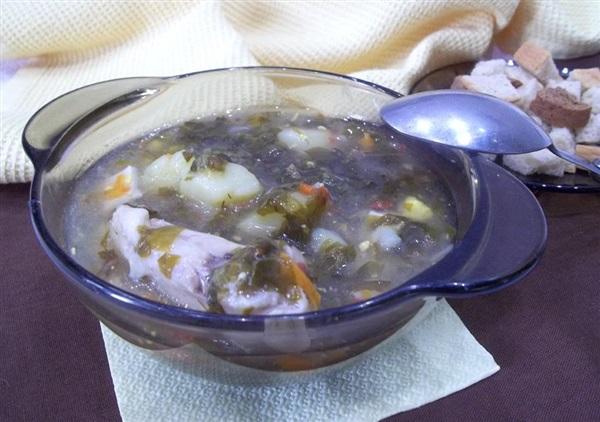 Щавлевий суп з куркою: як приготувати?