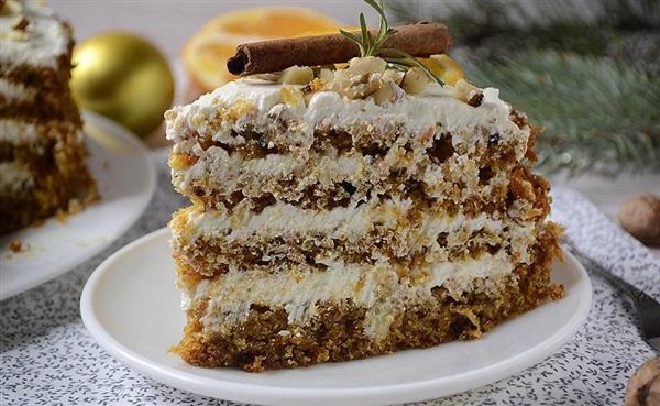 Морквяний торт з сирним кремом, рецепт з фото