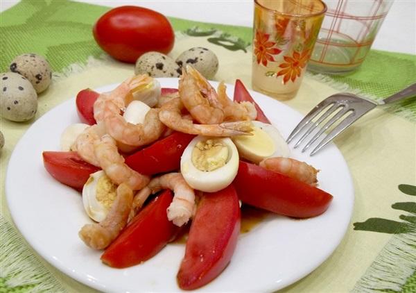 Салат з креветками та перепелиними яйцями: покрокове приготування