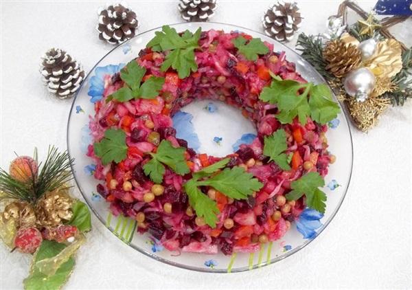 Святковий вінегрет «Різдвяний вінок»: покроковий рецепт