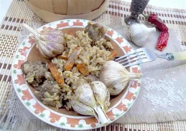 Плов зі свининою і з двома видами рису: покрокове приготування