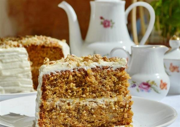 Морквяно-горіховий торт: секрети приготування