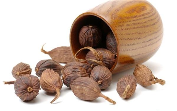 Чорний кардамон: склад, калорійність, користь, рецепти