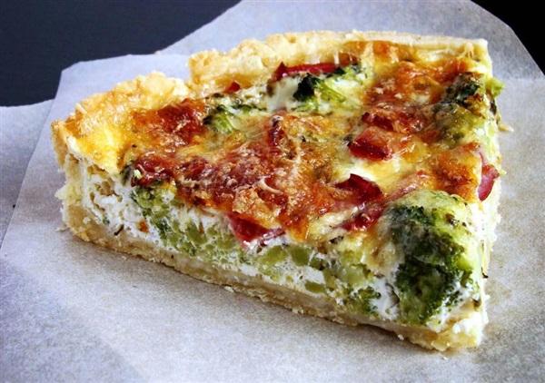 Пиріг з брокколі та сиром: 4 рецепти, секрети і тонкощі