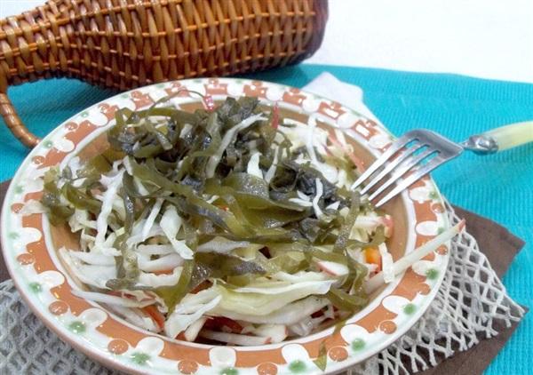 Салат для схуднення: рецепт з морської і білокачанної капусти