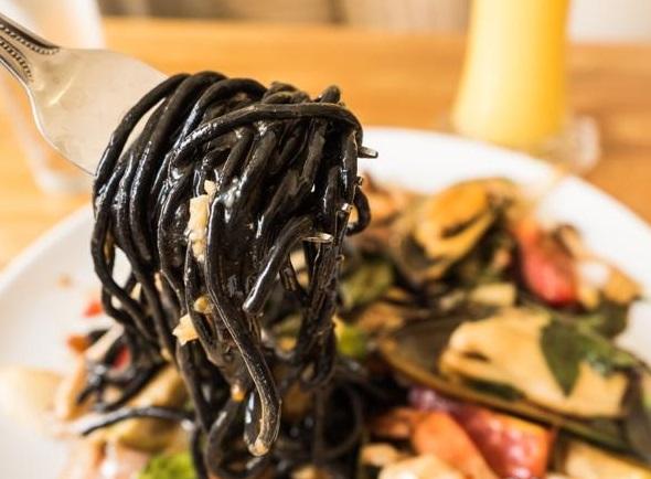 ТОП-6 рецептів чорної пасти, як приготувати