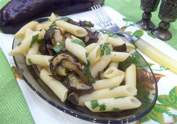 Паста з смаженими баклажанами по-сицилійськи: покрокові фото, відео