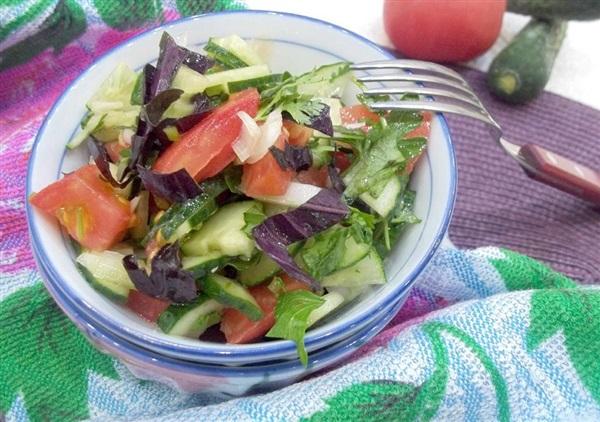 Маринований салат з свіжих овочів: покроковий рецепт з фото