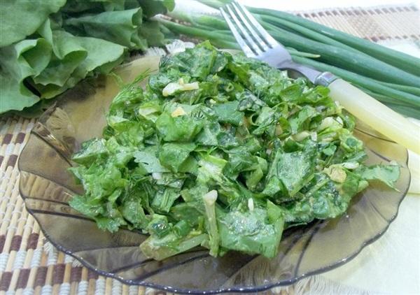 Салат з листя салату і яєць — секрети приготування