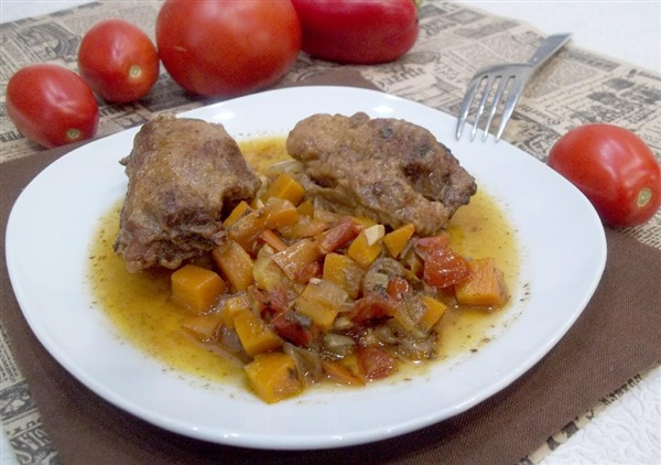 Телятина тушкована з овочами — секрети приготування