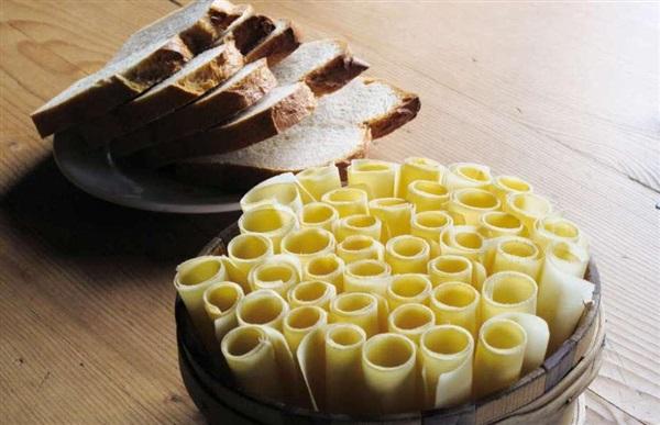 Сир Хобельказе: користь, шкоду, рецепти приготування
