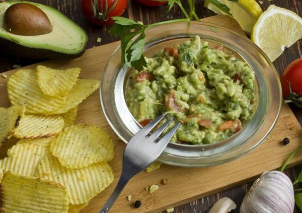 Соус Гуакамоле з авокадо: секрети приготування і простий покроковий рецепт