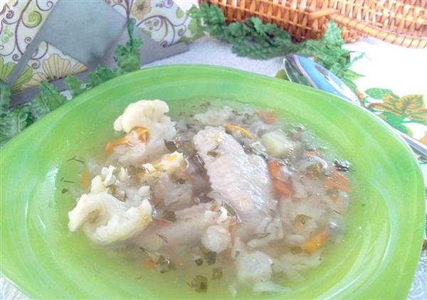 Овочевий суп на курячих крильцях: покроковий рецепт дієтичного першого страви