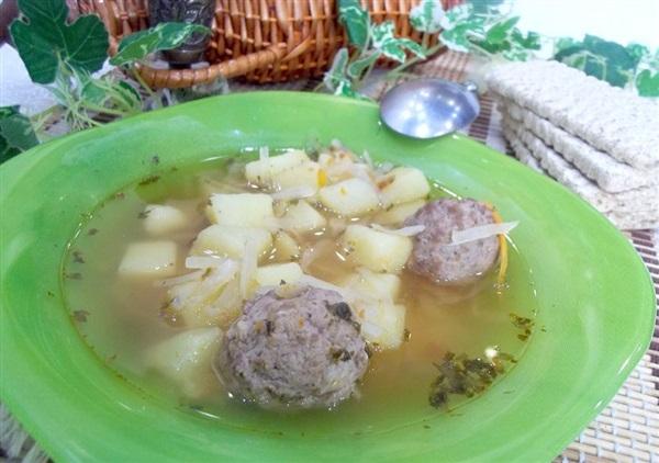 Томатний суп з тюфтельками і капустою — секрети приготування
