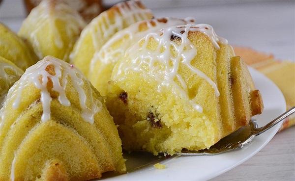 Заварний пиріг на кукурудзяній муці: рецепт приготування