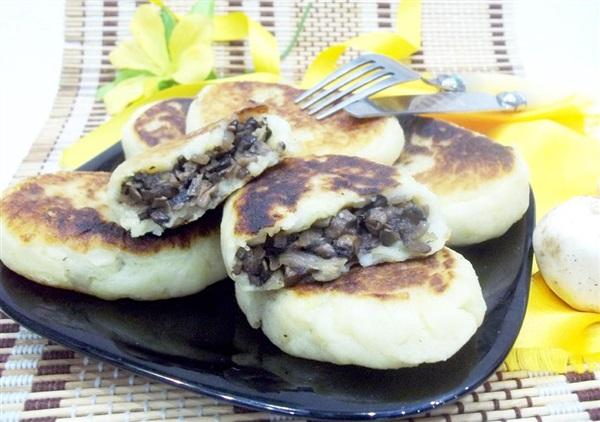 Картопляні зрази з грибами: покроковий рецепт