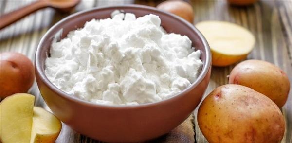 Картопляний крохмаль: користь, шкоду, як приготувати, які рецепти