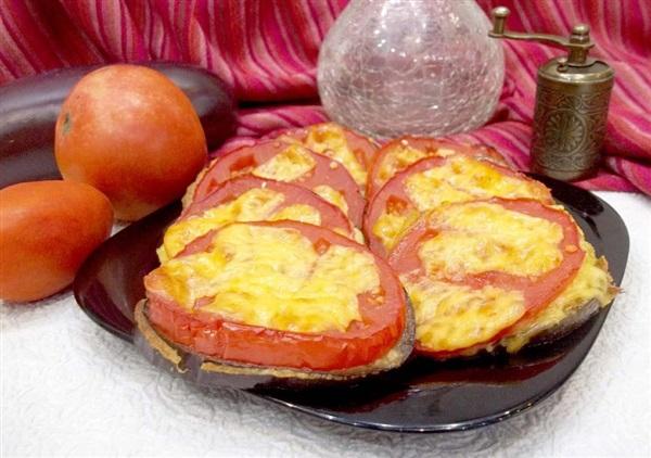 Баклажани в клярі, з помідорами і сиром в духовці: секрети приготування і покроковий рецепт з фото