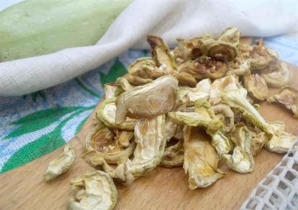 Сушені кабачки: секрети приготування, покроковий рецепт і відео