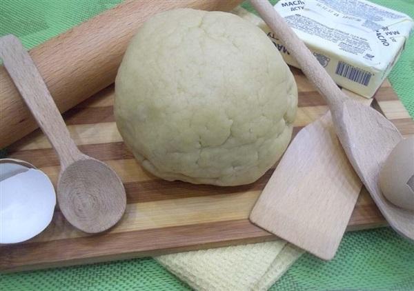 Пісочне тісто на сметані і вершковому маслі: покроковий рецепт з фото і відео