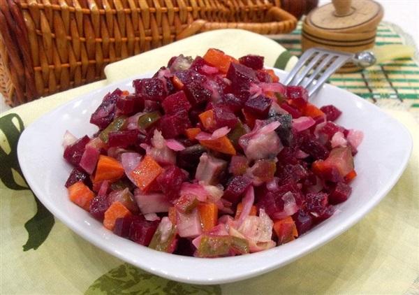 Овочевий салат з маринованими грибами: покрокові фото, відео