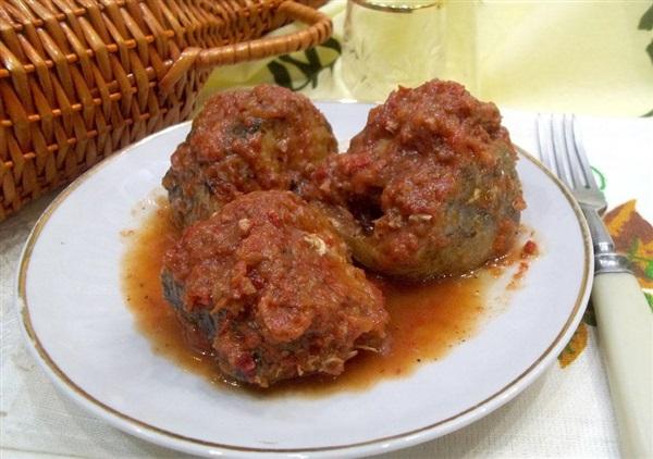Минтай в томатному соку: покрокове приготування